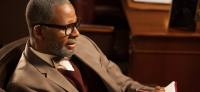 R.Kelly Presents Part 3 Of 'Trapped In The Closet' Saga