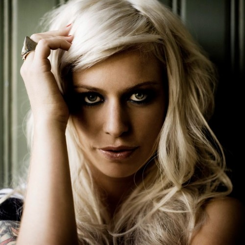 Gin Wigmore Makes Her UK Debut On Tour With Train
