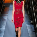 The Bold Collar Trend: A One On One With Roland Mouret